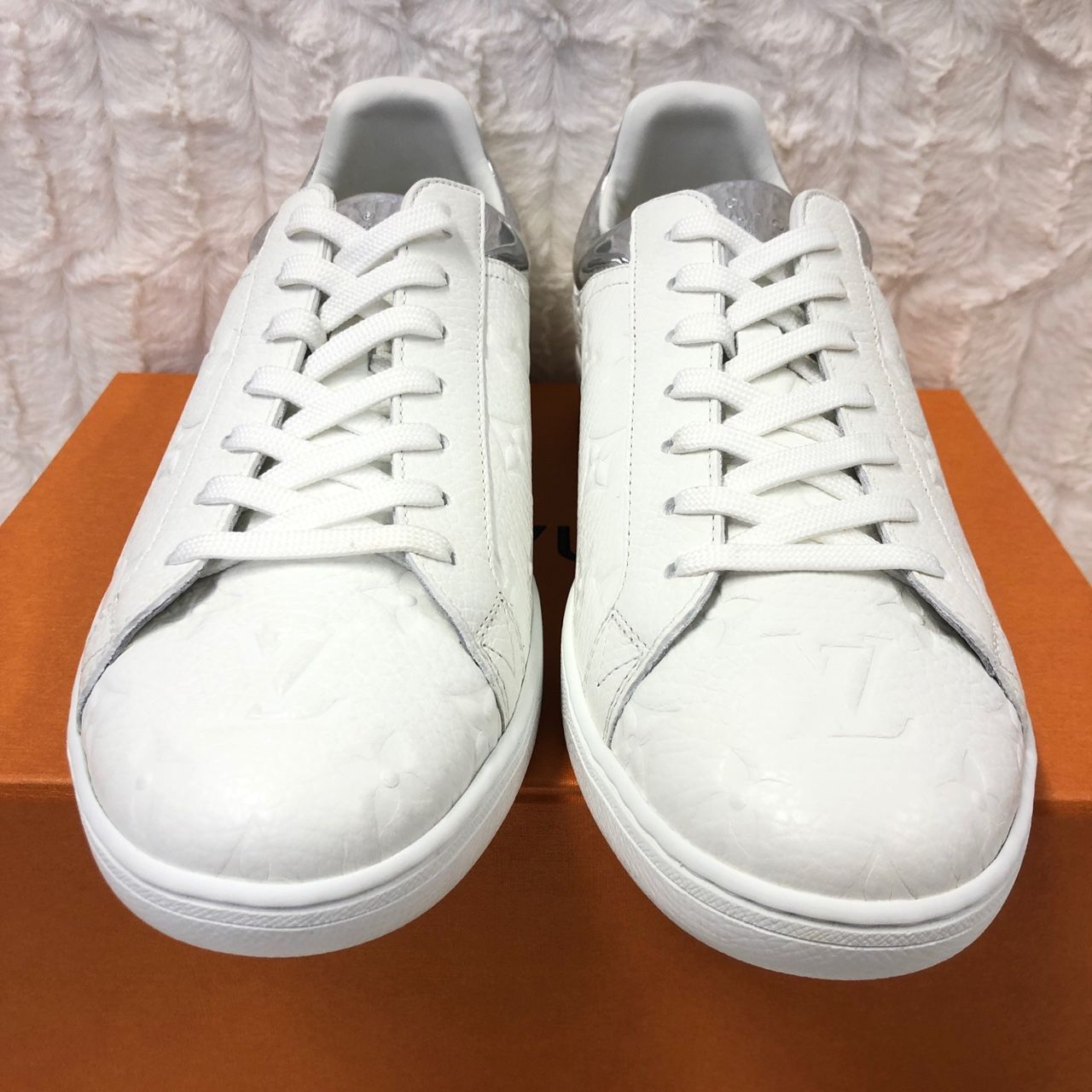 Louis Vuitton Luxembourg Sneaker Argent 1A80XH