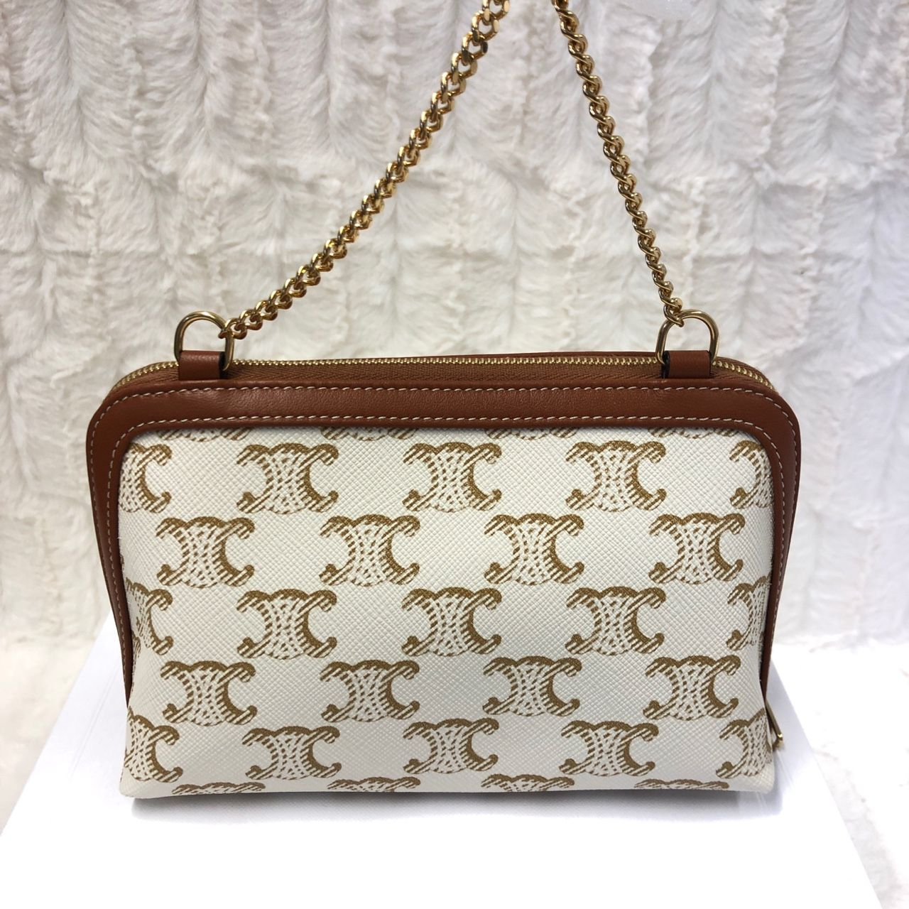 Celine Clutch with Chain in Triomphe canvas and Lambskin White/Tan 10E382CBX.01TA